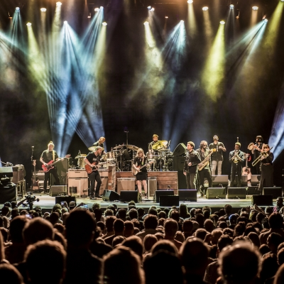 "Tedeschi Trucks Band Announce Biggest ""Wheels of Soul"" Tour to Date for 2017"