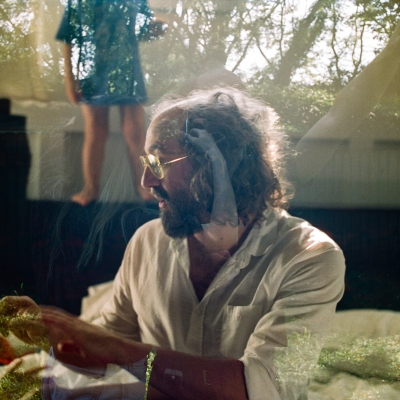"Phosphorescent Shares New Track ""Christmas Down Under"" From Forthcoming Album"