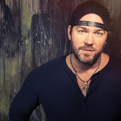 Lee Brice Changes Up on LIFE OFF MY YEARS Tour