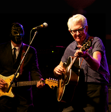 Nick Lowe & Los Straitjackets 'The Quality Holiday Revue Live'/ Yep Roc